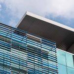Alternativas arquitectónicas para proteger nuestras edificaciones de los rayos UV
